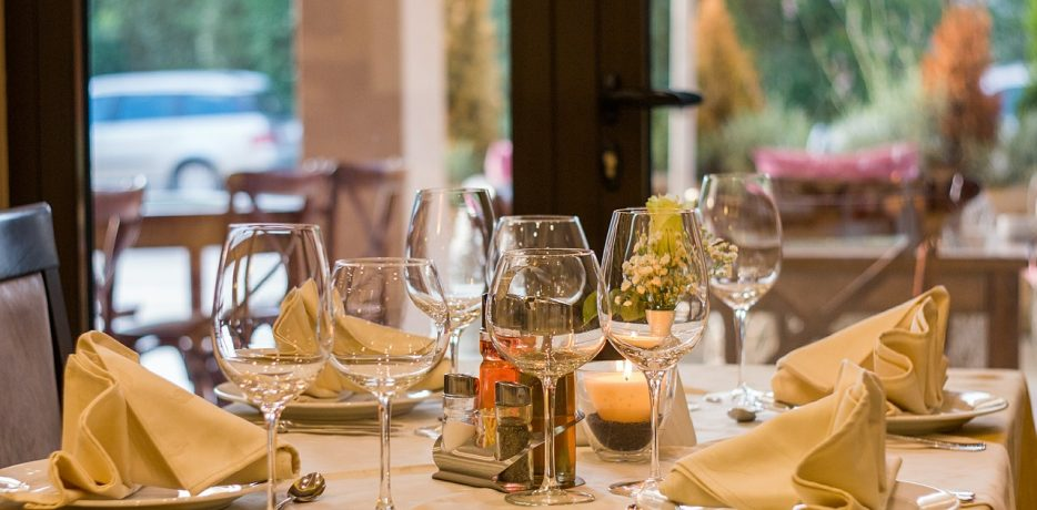 4-Ways-to-Maximize-Restaurant-Profits